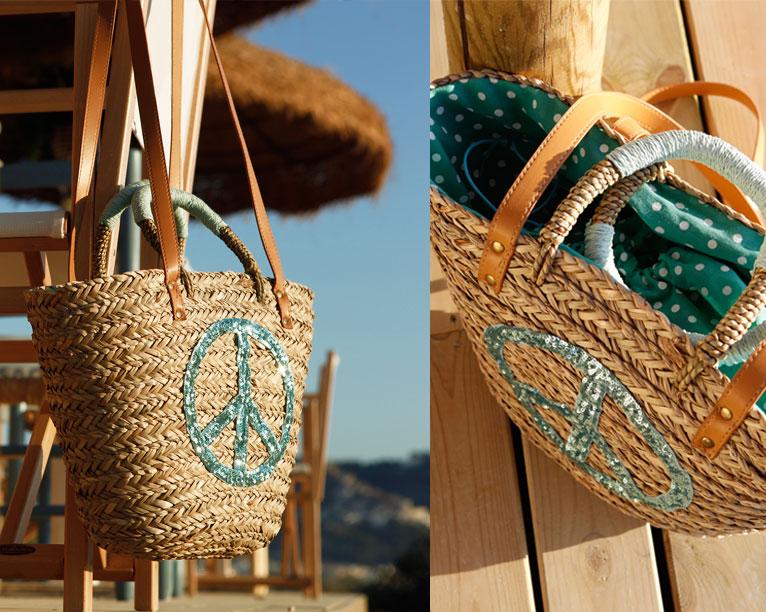 capazo de playa forrado símbolo de la paz con lentejuelas