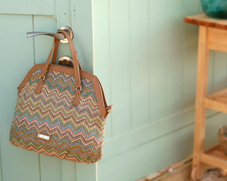 tote rafia multicolor zig-zag paco martinez tiendas bolsos lookbook junio