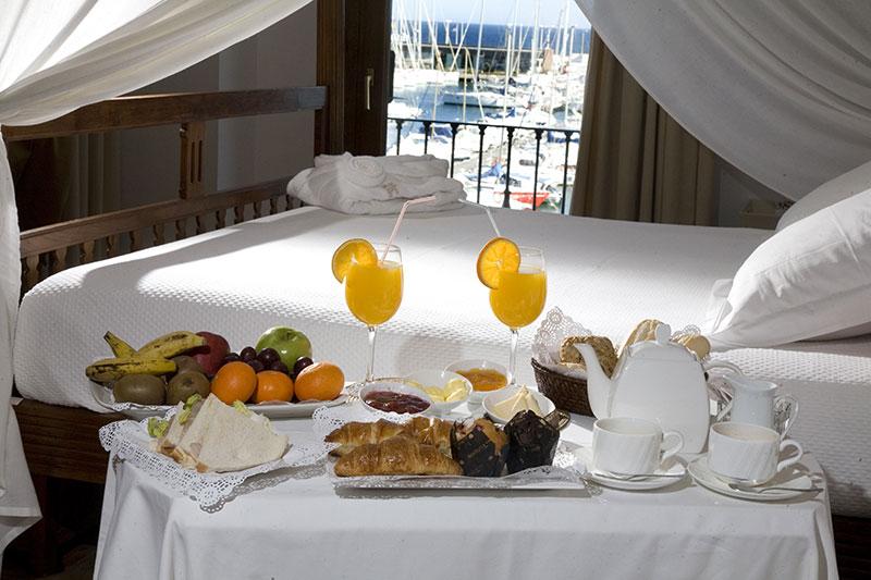 desayuno habitación hotel escapada romantica