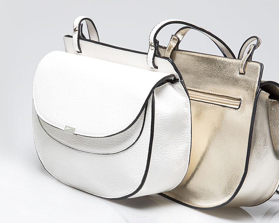 91 lookbook bolsos pacomartinez flap blanco y dorado